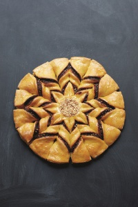 Luis Troyano - star bread finished photo